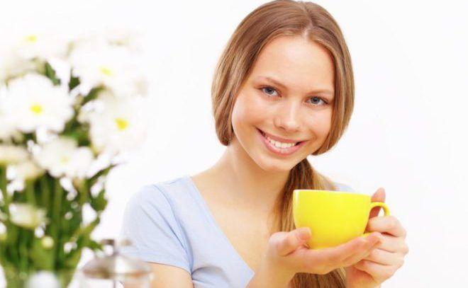 Принять успокоительный чай с ромашкой