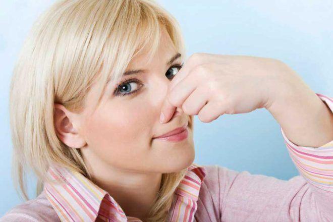 Сопровождаться неприятным запахом