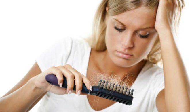 Чрезмерное выпадение волос и обильная перхоть
