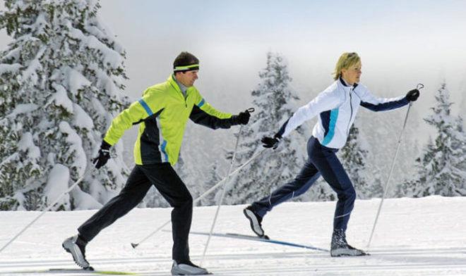 Ходьба на лыжах зимой