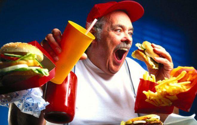 Отказаться от продуктов которые снижают выработку мужского гормона