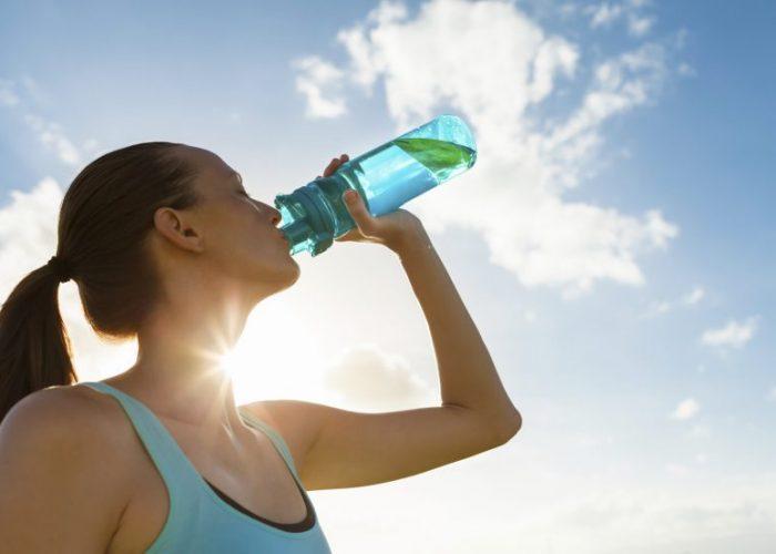 Ежедневное употребление жидкости в количестве не менее 1,5 л