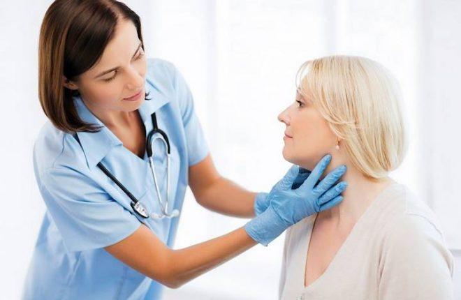 Регулярное обследование у эндокринолога поможет избежать проблем с йодом в организме