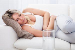 Перекрут кисты яичника - симптомы